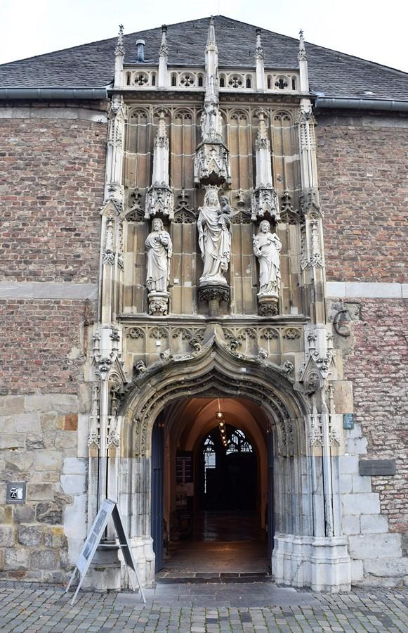 Entrée au trésor de la cathédrale